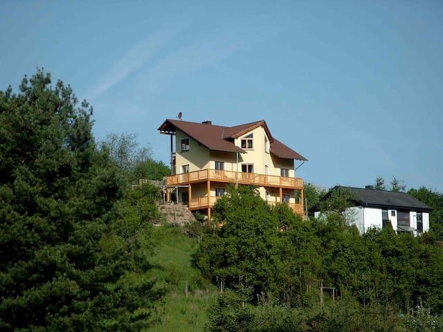 Biohaus im Grünen