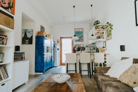 Boutique Apartment with Free Parking, Garden, A/C
