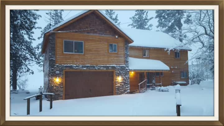 Harbor Cove Lodges on Big Bear Lake