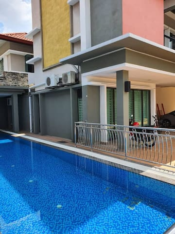30Pax KL Homestay | Swimming Pool | Karaoke | BBQ