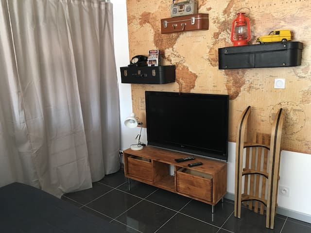 Studio pub avec terrasse privative - Narbonne - Appartement