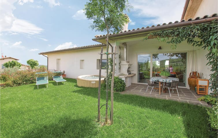Semi-Detached with 3 bedrooms on 105m² in Monte San Savino -AR-