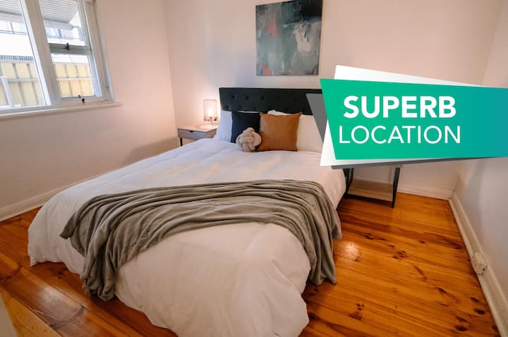★A Wave Away @ Glenelg★  Cosy Unit Near The Beach