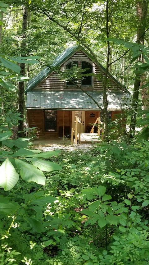 Cozy Cabana - Hocking Hills - Logan Ohio
