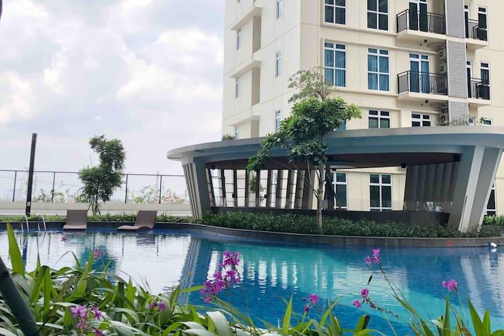 Cozy Studio Penthouse City View, West Jakarta CBD