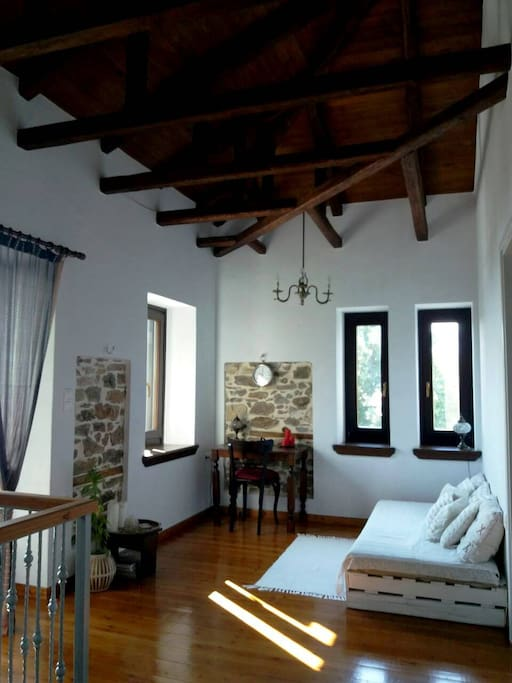 second's floor living room