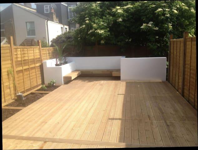 Lovely garden flat