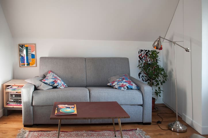 COSY STUDIO FOR 2  - CANAL ST. MARTIN