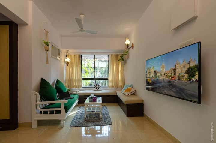 Bohemian - Relaxed, fully loaded, 1BHK Studiolo.