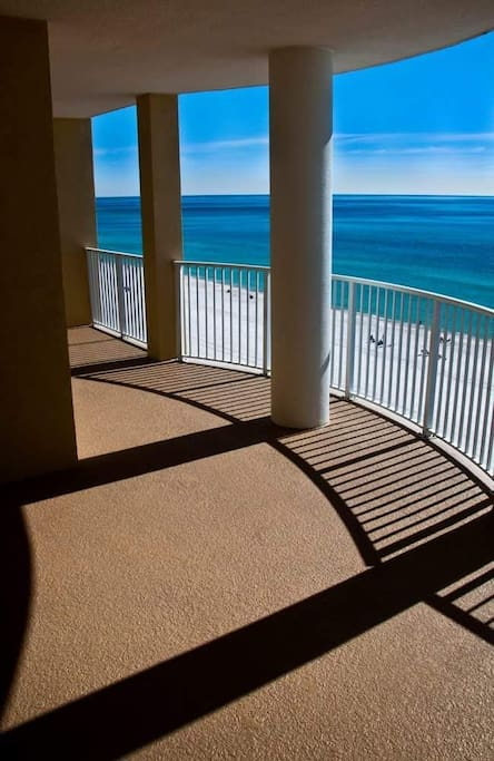 3br 3ba Beachfront Condo At Crystal Shores West Pool