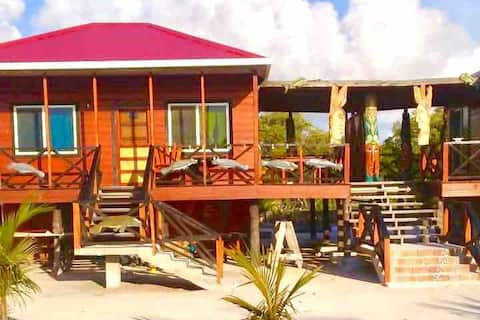 The Manatee Manor🏝views of Belize Barrier Reef