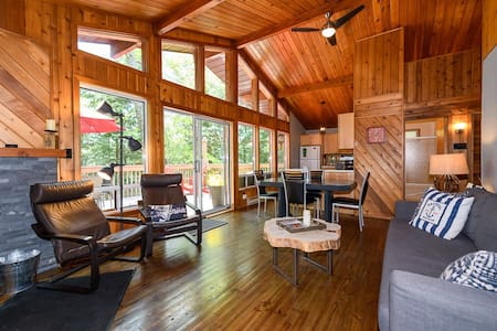 Luxurious 4 Season Chalet