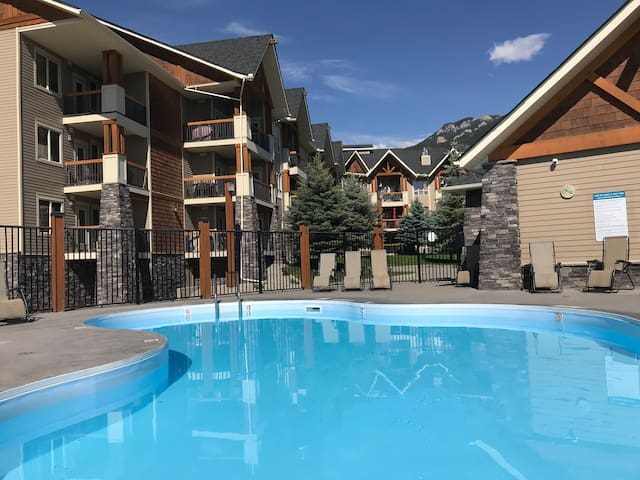 Luxury Two  Bedroom Condo in Radium Hot Springs