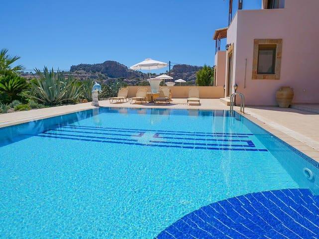 Luxury Villa Delfini with private Pool in Lindos