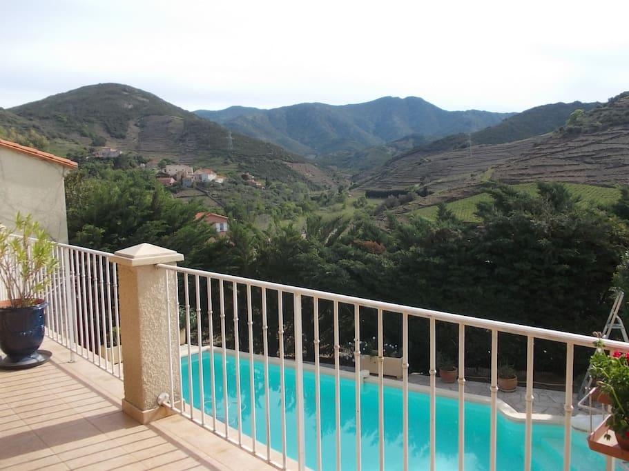 Vue magnifique sur les Albères et l'Espagne.