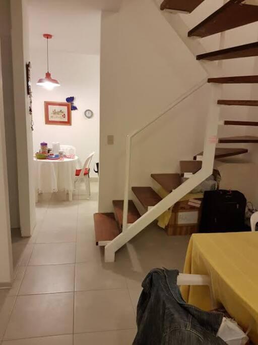 casa moderna, limpia y bien cuidada