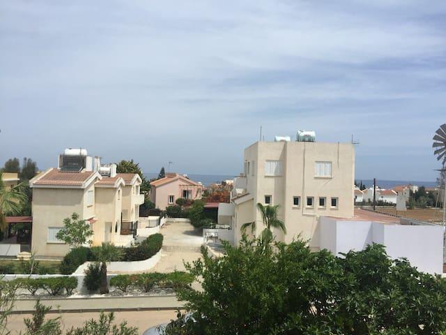 3 Bedroom Villa on Malama Beach - Paralimni - Dům