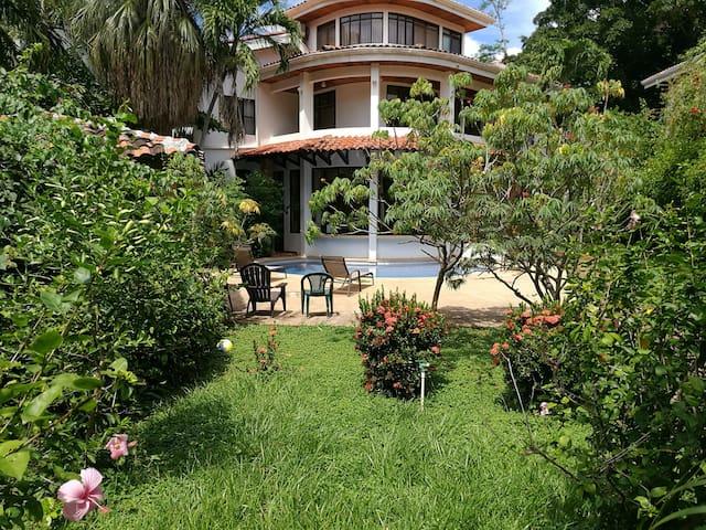 Casa La Carolina, private room