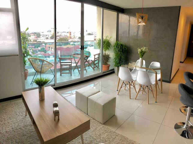Modern +Comfort SAFE Penthouse perfect view SABANA