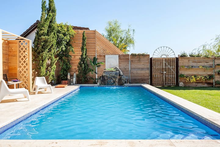 Beautiful Home Short Walk From Beach with Pool, Fabulous Garden, Terrace & Wi-Fi; Parking Available, Pets Allowed