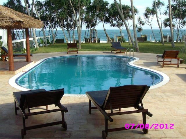 Luxury Beach Villa, private pool - Tangalle - House