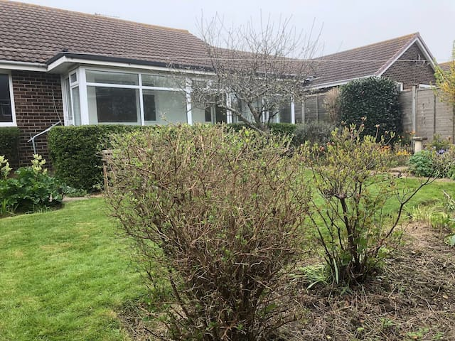 Isle of Wight Bungalow - Freshwater