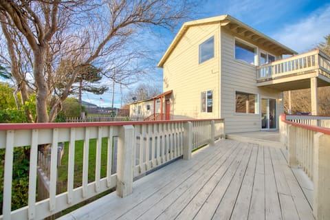 Egret Cove Bayfront Cottage w/ View for 2