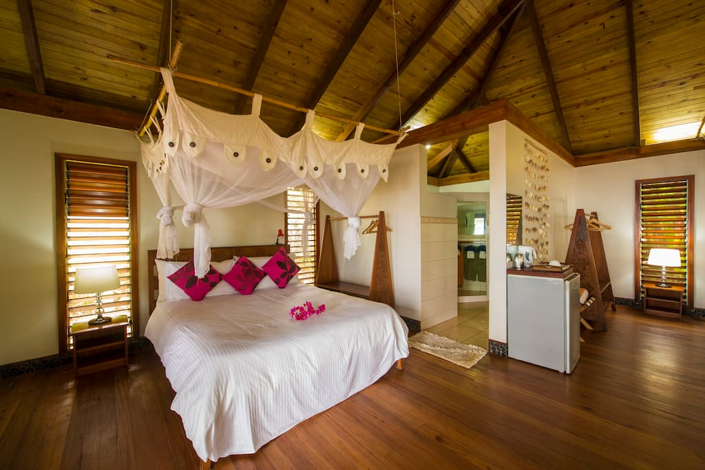 Inside Villa 2 x King beds