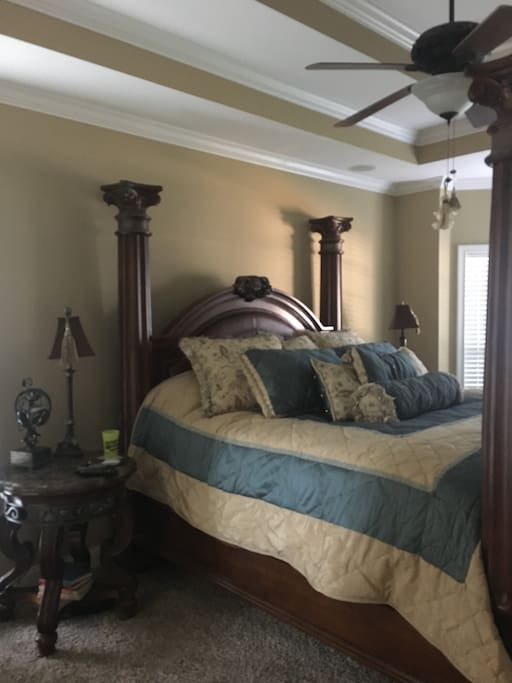 Master bedroom w king bed, located down stairs