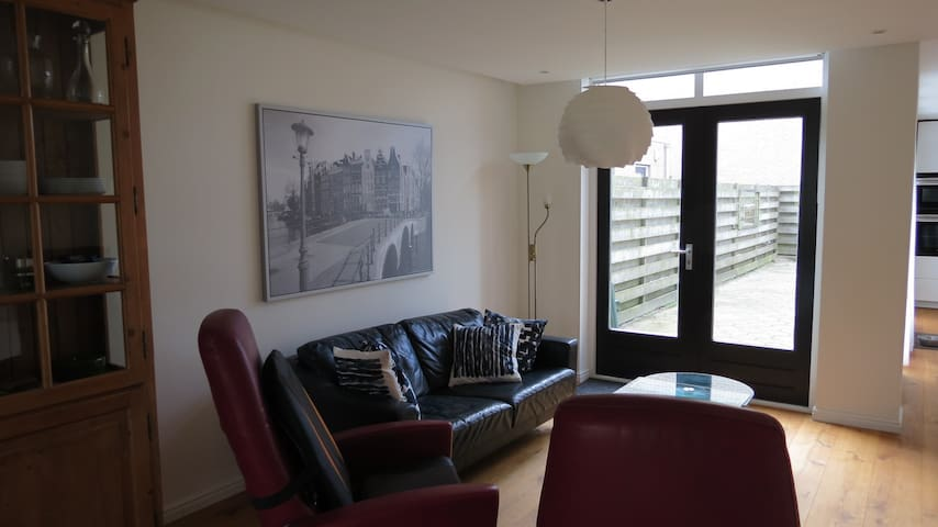 Modern recently renovated familyhouse - Edam - House