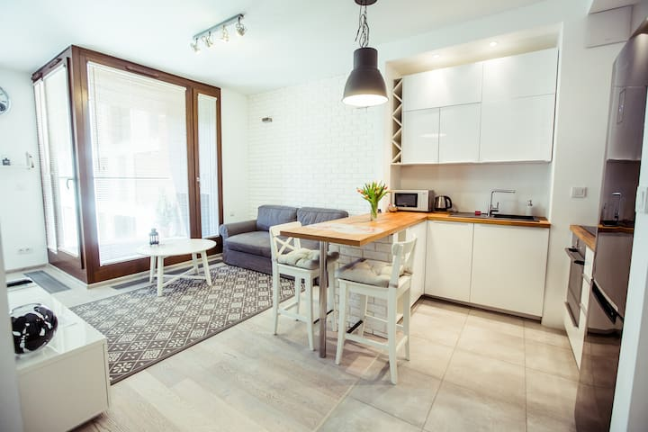 Superior apartment with AC- close to Warsaw Spire