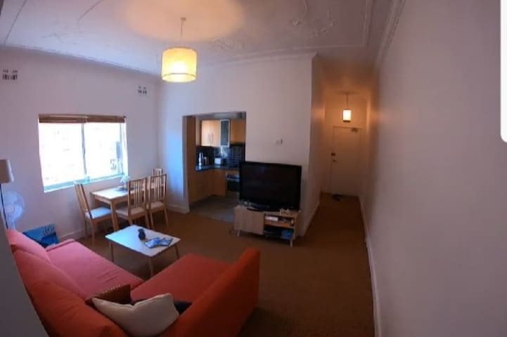 One bed apartment in the heart of Bondi Beach
