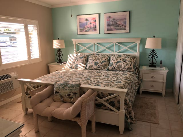 King size bed with quality linens