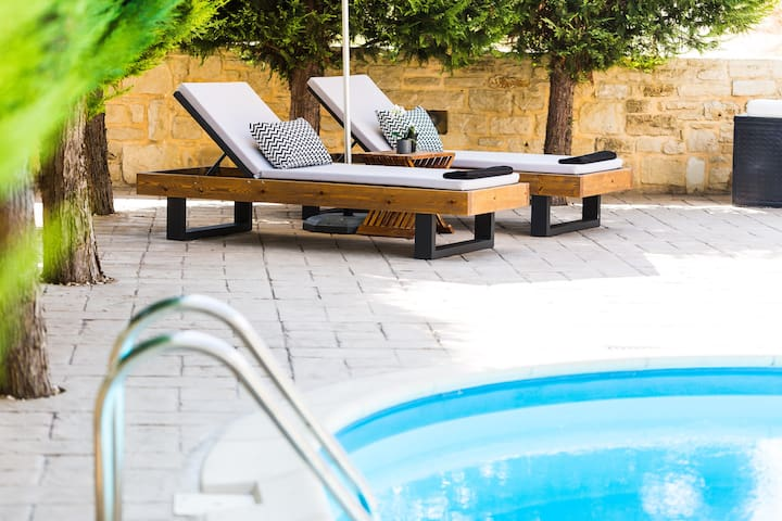 The pool terrace is equipped with sun beds and umbrellas, so you can relax all day long enjoying the Cretan sun!