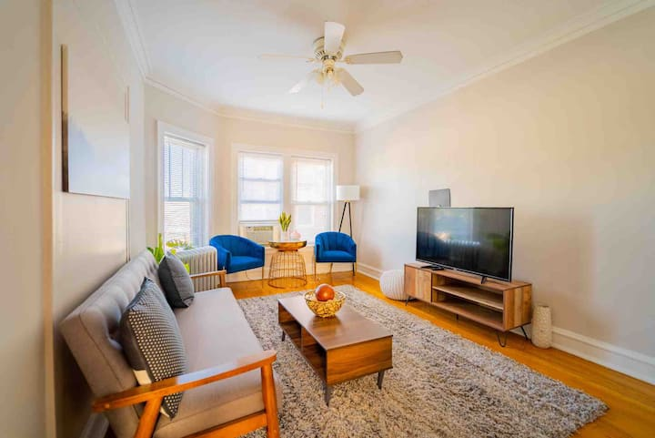 ⭐|Stylish|Comfy|Lincoln Sq.| 2BR |✨|Near Wrigley|⭐