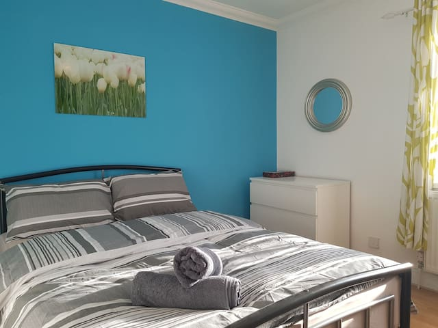 Cozy Double room with ensuite in Goodmayes (8)