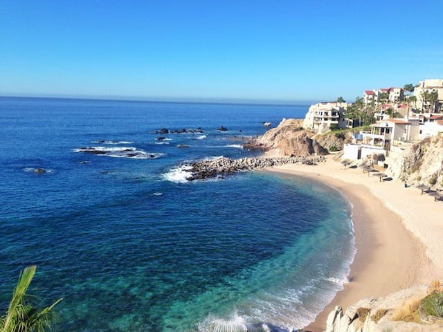 Peaceful 2bed/2bath, 3 min walk to Private Beach! - Cabo San Lucas - Apartment