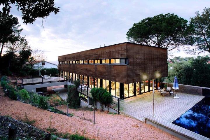 6/10 guest-15' Barcelona-Modern Villa–Biz/Vacation