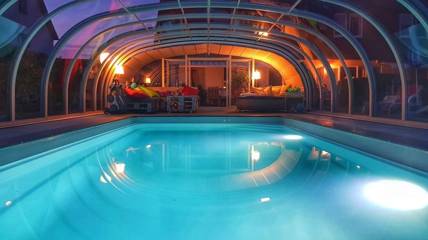 gemütliche Ferienwohnung mit Terrasse und Pool