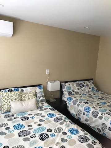 Bayside Room w/ 2 Bed (2) - Queens - Haus