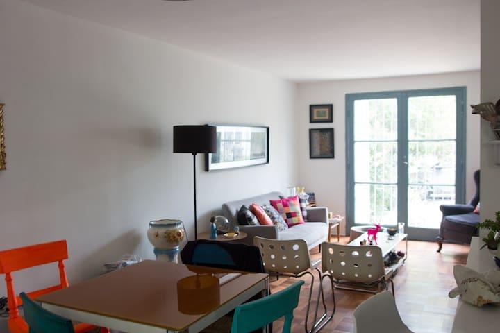 Amplio dormitorio en Providencia - Santiago - Dom