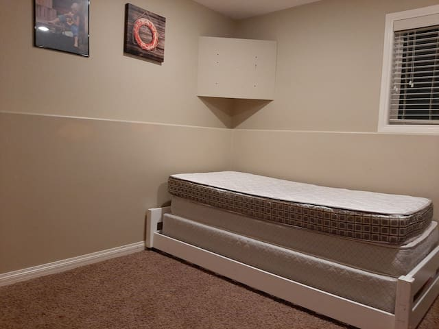 Clean and very spacious bedroom