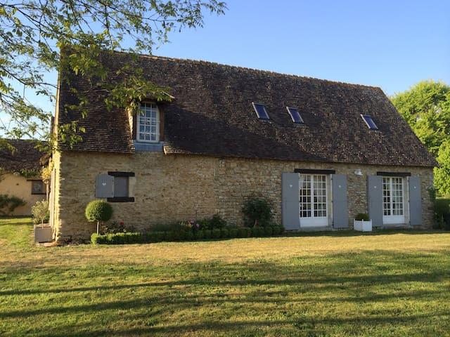 Propriété équestre sur 12 hectares - Torcé-en-Vallée