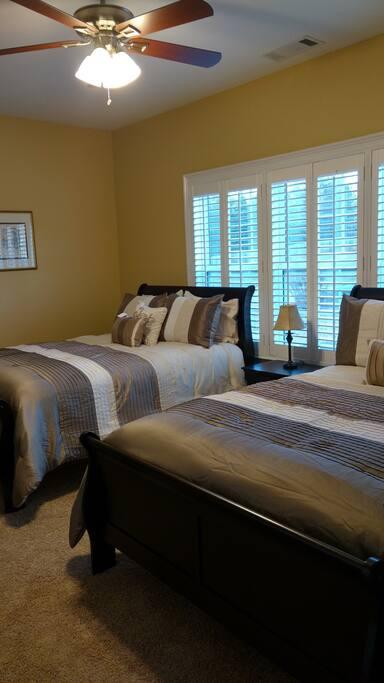 Guest Bedroom (pic. 2)