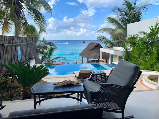 Spectacular Oceanfront view W/Pool, Prívate Villa