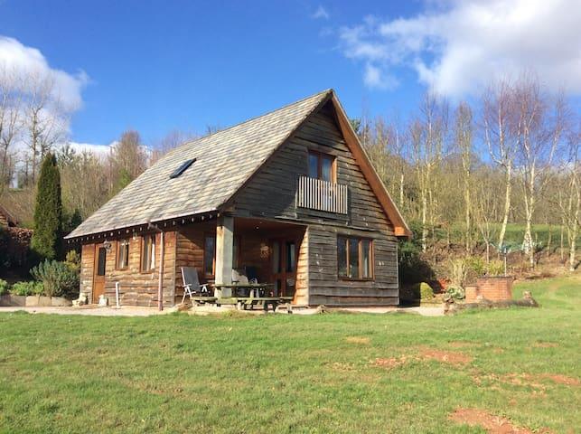 Kingfisher Lodge @ Pitlands Farm