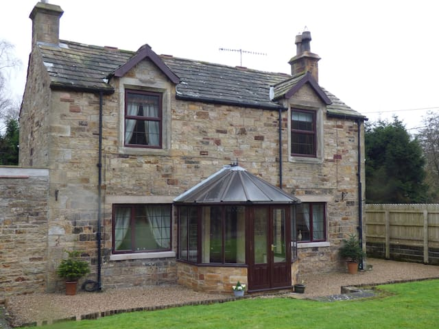 Measling Cottage - close to Hadrian's Wall
