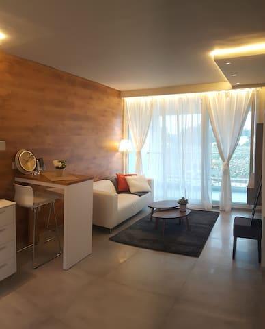 luxurious  Apartment -Neot Golf Caesarea- קיסריה - Caesarea - Apartment
