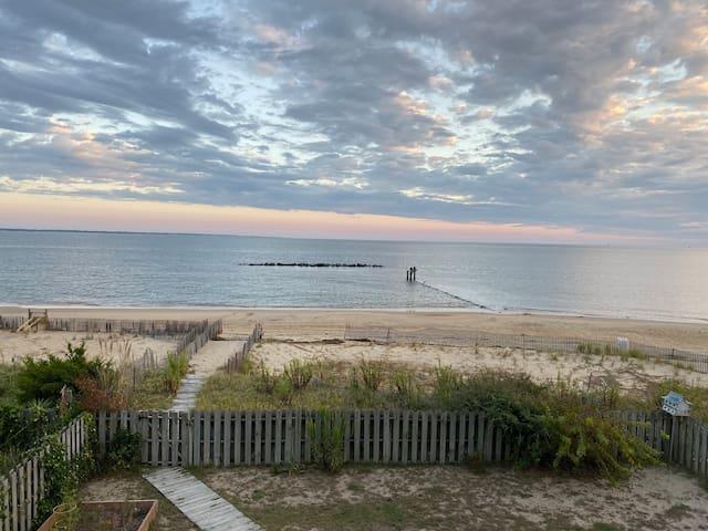 Chesapeake Bay Waterfront & Beach Home