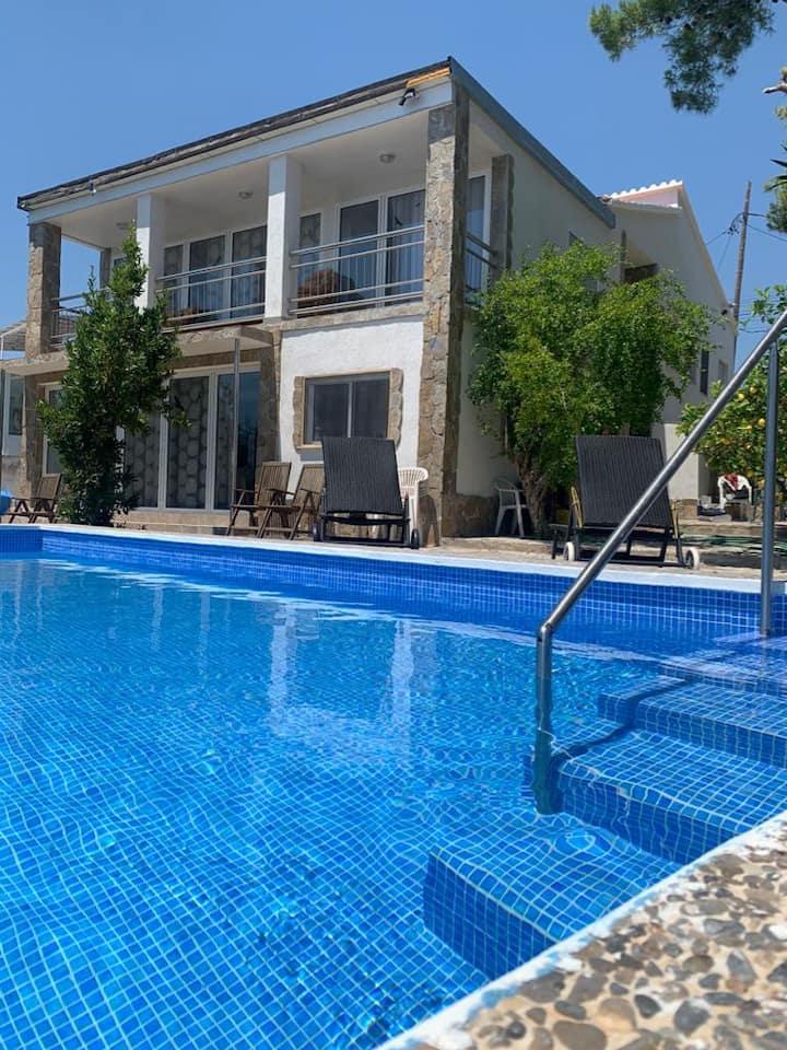 Haus Blanc bei Tarragona mit Privatpool, Garten